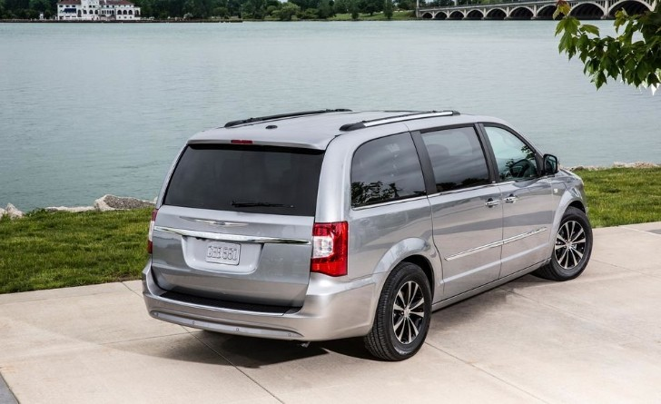 2014 Chrysler Town & Country Gets 30th Anniversary Edition