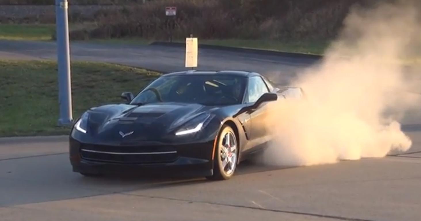 2014 Corvette Stingray vs 2014 Shelby Mustang GT500 - Video