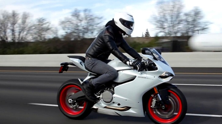 Watch And Hear The 2014 Ducati 899 Panigale On The Highway