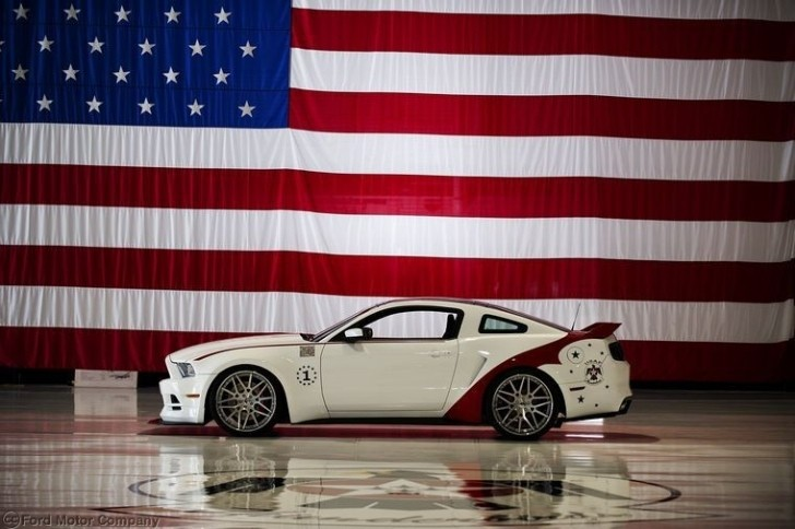 2014 Ford Mustang US Air Force Thunderbirds Edition Revealed [Photo Gallery]