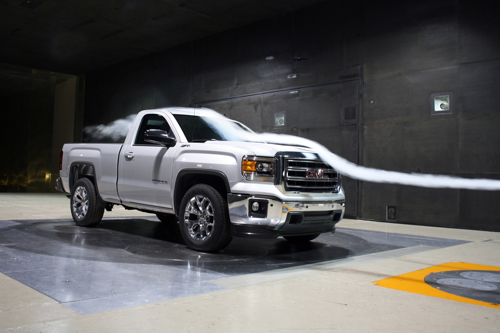 2014 gmc sierra regular cab quietly revealed autoevolution. Black Bedroom Furniture Sets. Home Design Ideas