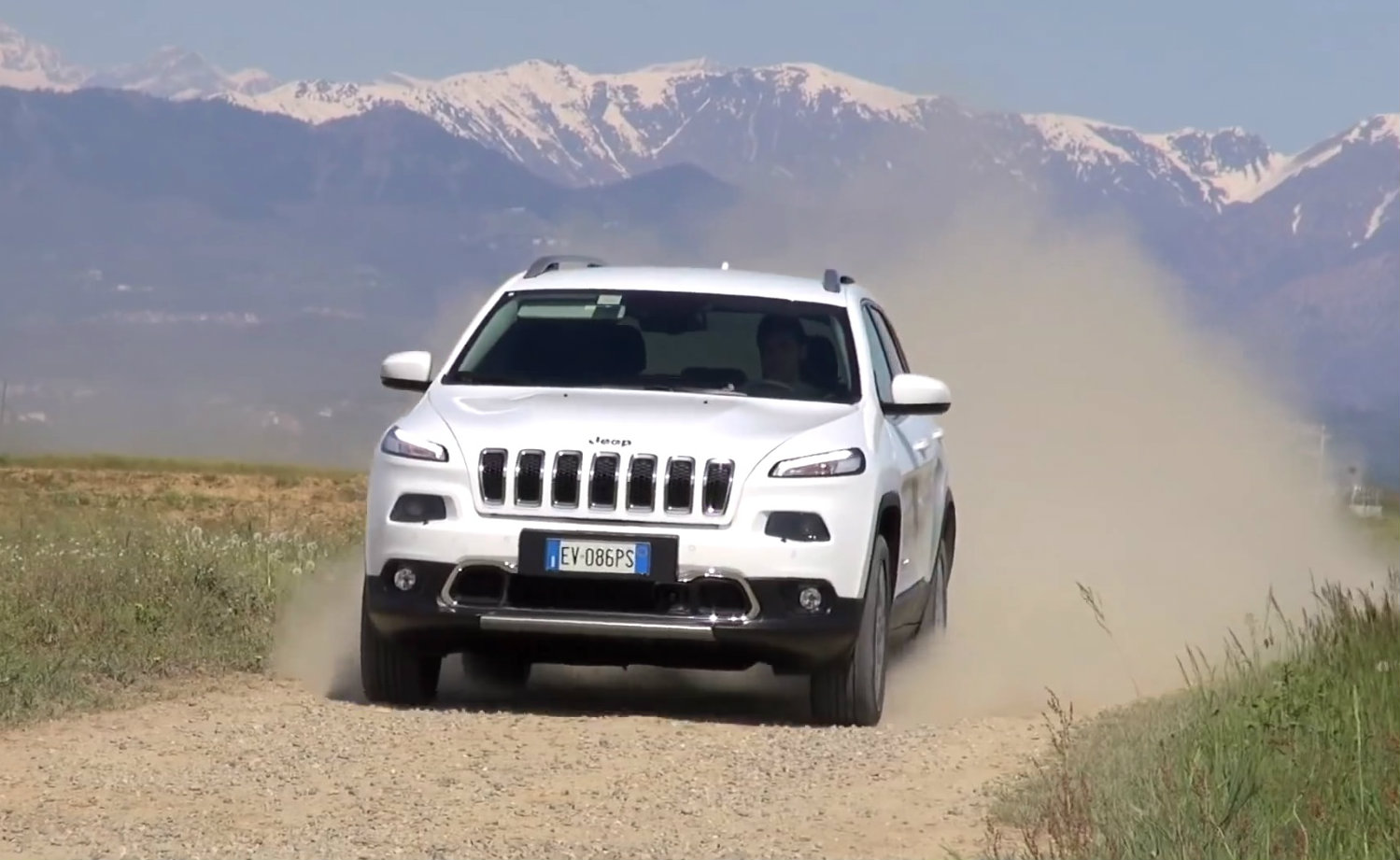 2014 jeep cherokee diesel review autoevolution. Cars Review. Best American Auto & Cars Review