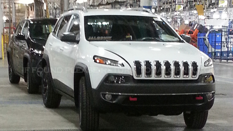 2014 Jeep Cherokee Unveiled With Surprising New Face Autoevolution