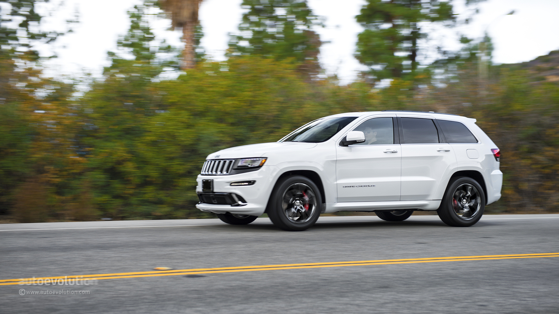 grand srt motor b driven test mind over cherokee jeep