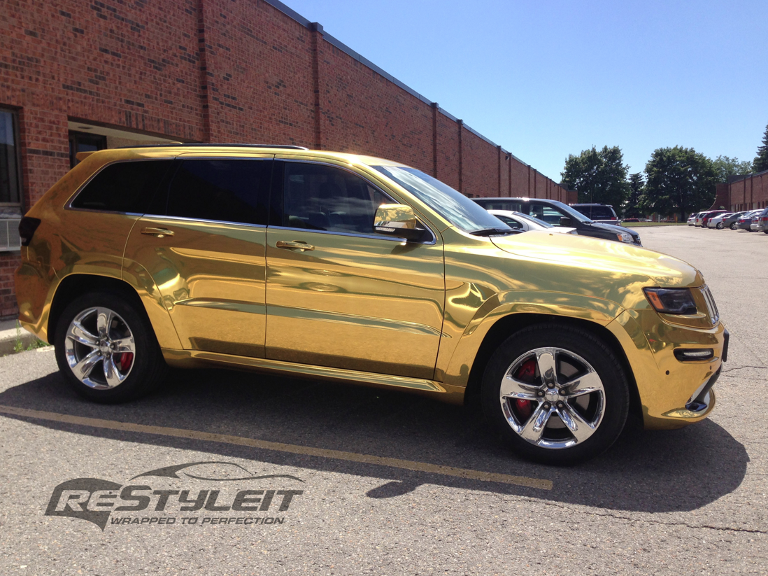 2014 jeep grand cherokee srt8 wrapped in gold chrome autoevolution. Black Bedroom Furniture Sets. Home Design Ideas