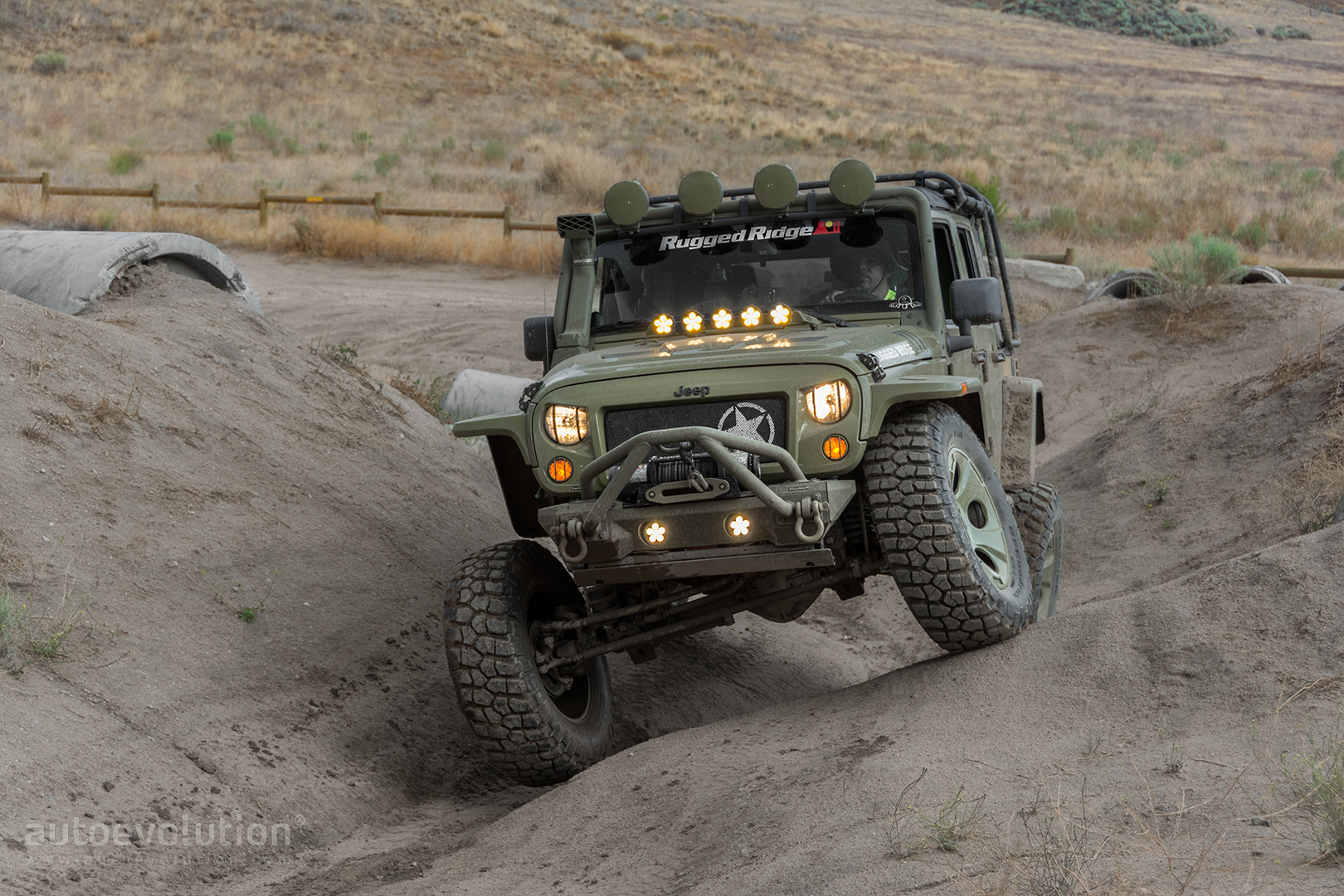 2014 jeep wrangler rubicon by rugged ridge wallpapers straight off the path autoevolution. Black Bedroom Furniture Sets. Home Design Ideas