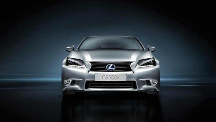 2014 Lexus GS 300h Reviewed by Auto Express