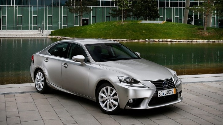 "2014 Lexus IS 250 is ""Neither Sporty Nor Luxurious"" According to Consumer Reports"