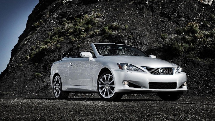 2014 Lexus IS C Getting Small Changes
