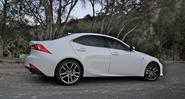 "2014 Lexus IS Has ""Bags of Attitude"" - Car Advice"