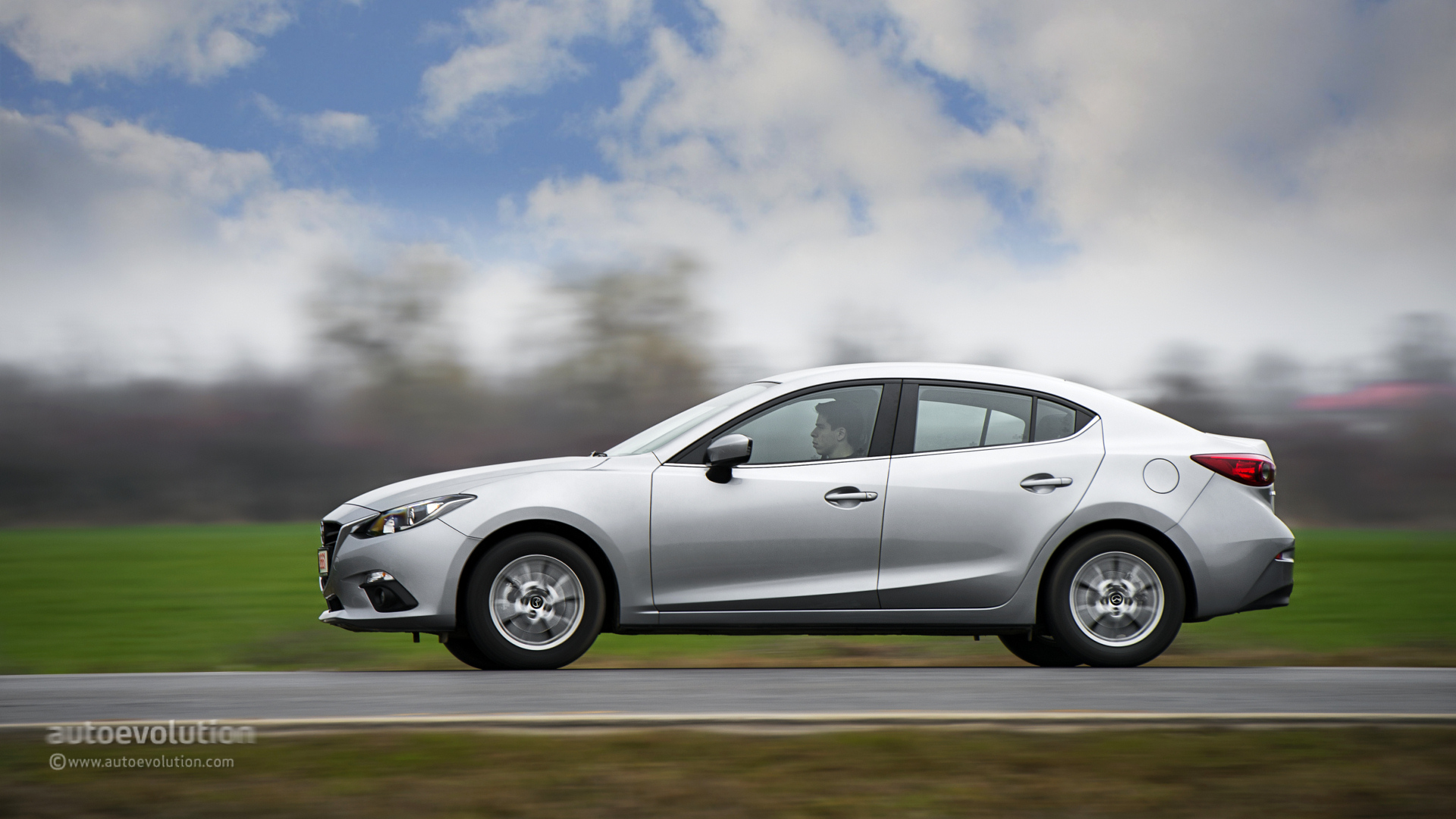 2014 mazda3 sedan tested autoevolution. Black Bedroom Furniture Sets. Home Design Ideas