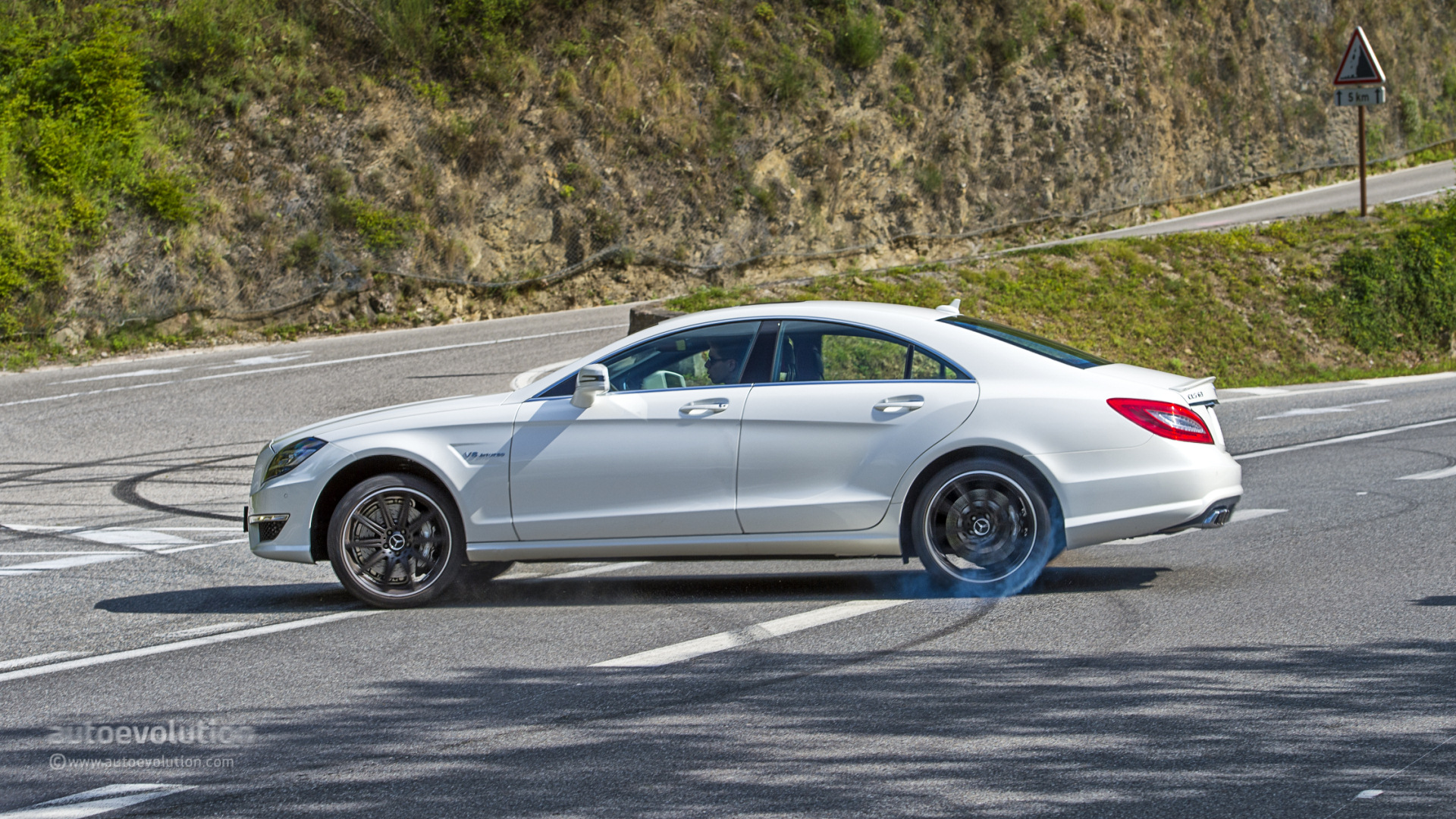 2014 mercedes benz cls63 amg 4matic tested autoevolution