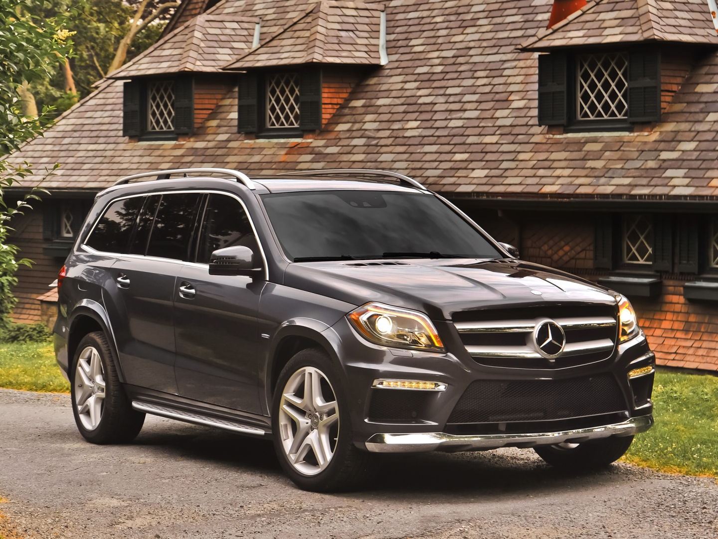 2014 mercedes benz gl class luxury for seven autoevolution. Black Bedroom Furniture Sets. Home Design Ideas