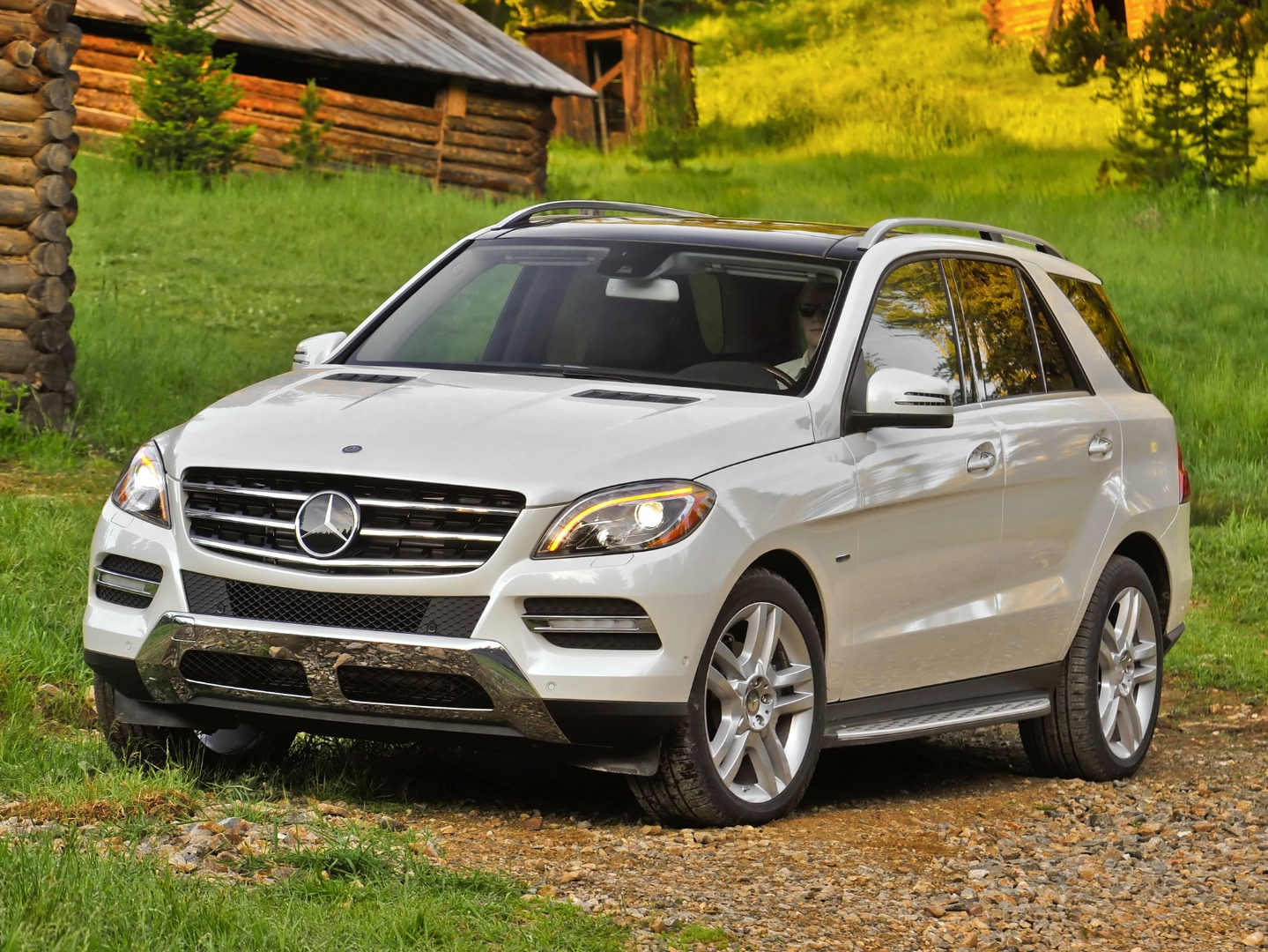 2014 mercedes benz m class comes with standard collision for Mercedes benz assist