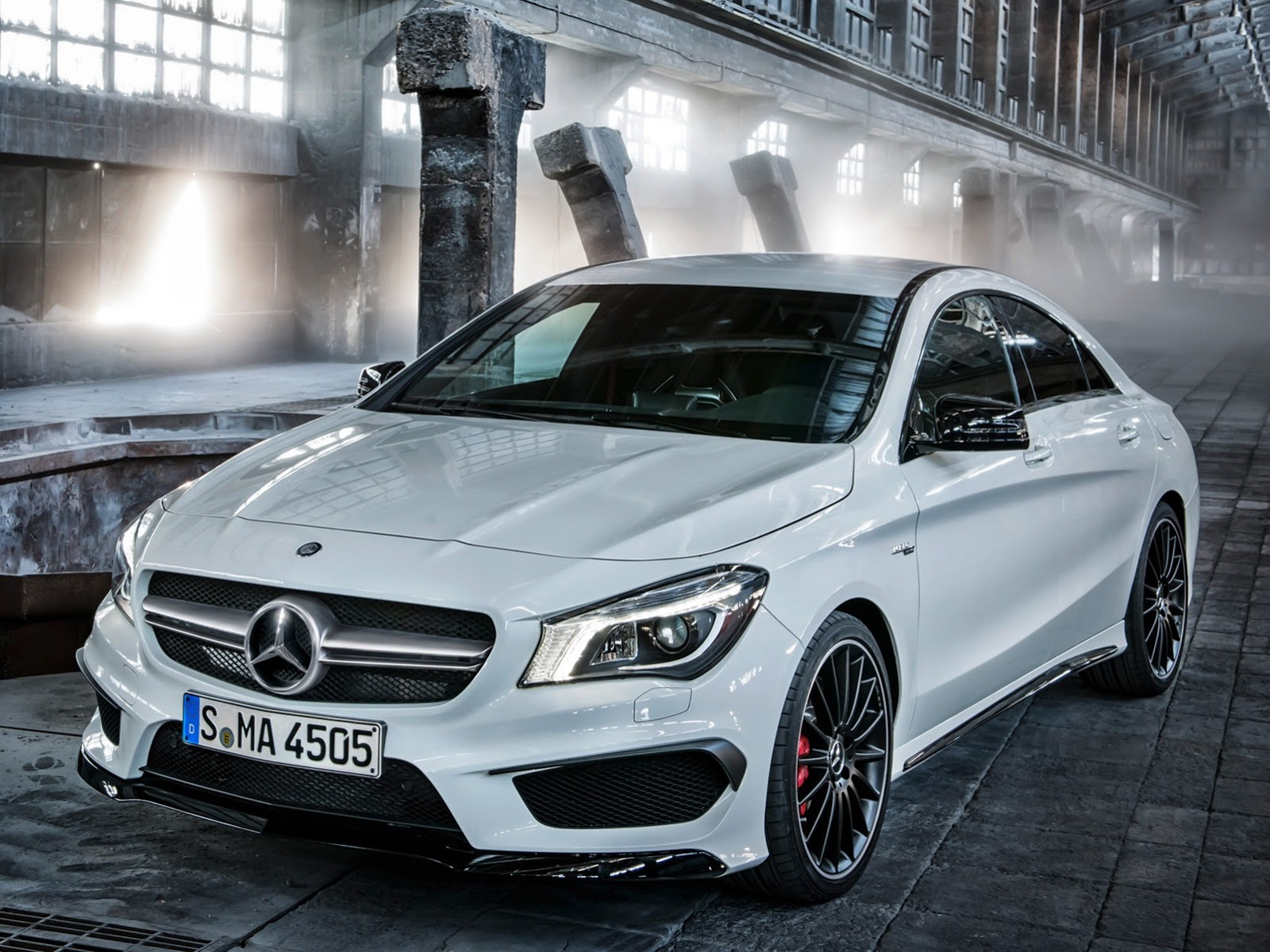 2014 mercedes cla 45 amg first photos leaked autoevolution. Black Bedroom Furniture Sets. Home Design Ideas