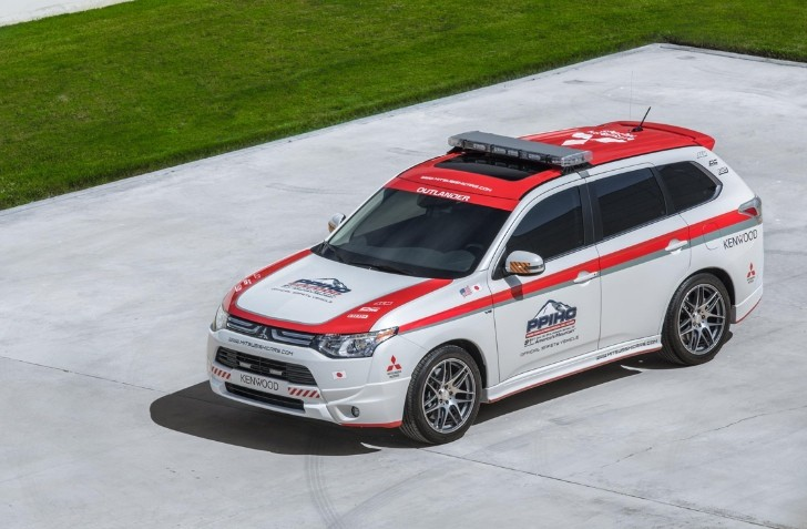 2014 Mitsubishi Outlander Becomes Pikes Peak Official Safety Vehicle [Photo Gallery]