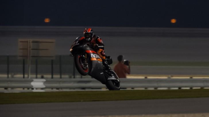 2014 MotoGP: Aleix Espagaro Fastest in Day 1 of the Qatar Final Test - autoevolution