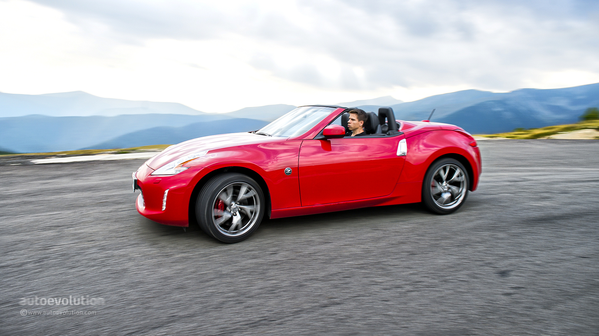2014 nissan z370   viewing gallery