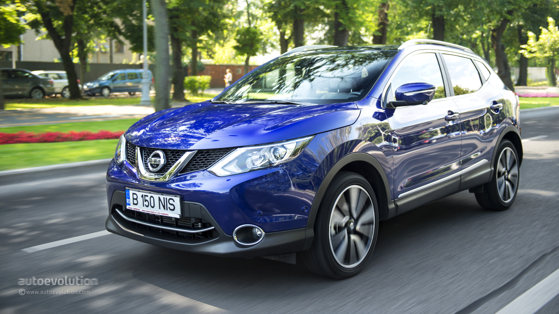 2014 nissan qashqai tested autoevolution. Black Bedroom Furniture Sets. Home Design Ideas
