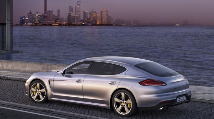 2014 Porsche Panamera Facelift First Photos Leaked [Photo Gallery]