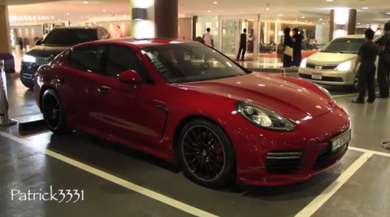 2014 porsche panamera gts spotted in dubai autoevolution. Black Bedroom Furniture Sets. Home Design Ideas