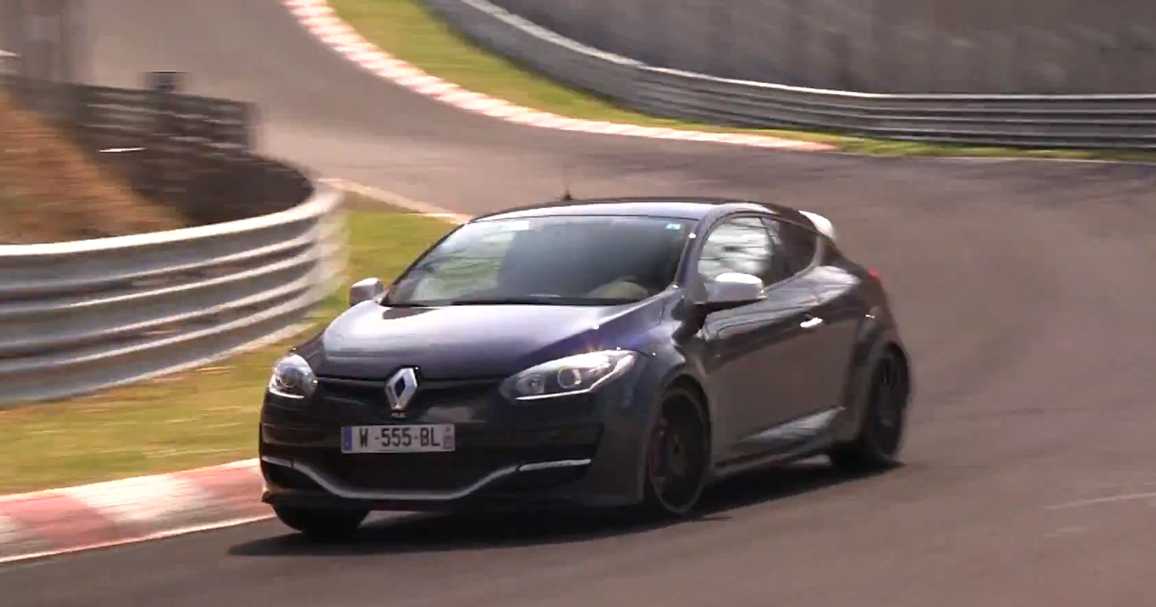 2014 renault megane rs going after the seat leon cupra 39 s hot lap autoevolution. Black Bedroom Furniture Sets. Home Design Ideas