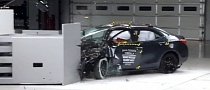2014 Toyota Corolla Earns Marginal Rating in Small Overlap Crash Test [Video]