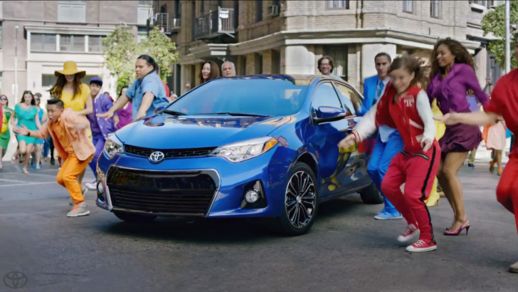 2014 Toyota Corolla Gets Stylish Commercial Video