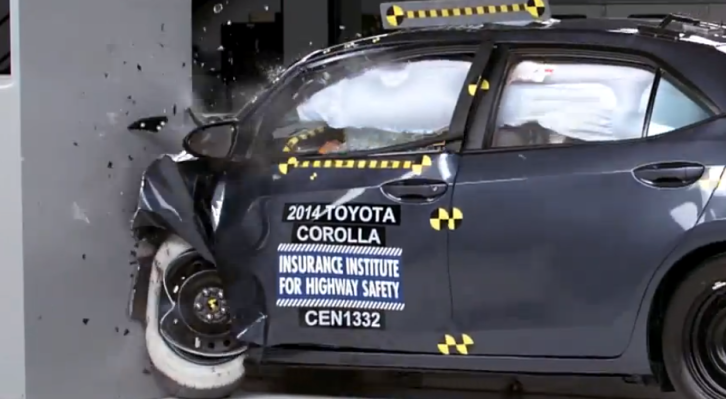 2014 Toyota Corolla - Poor Small Overlap Crash Rating [Video]