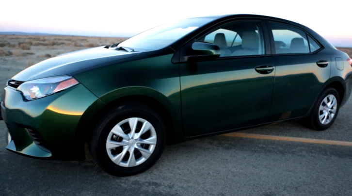 2014 toyota corolla quick review by edmunds autoevolution. Black Bedroom Furniture Sets. Home Design Ideas