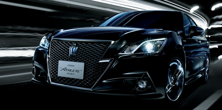 2014 Toyota Crown Athlete Is a Cool Sedan You Can't Have