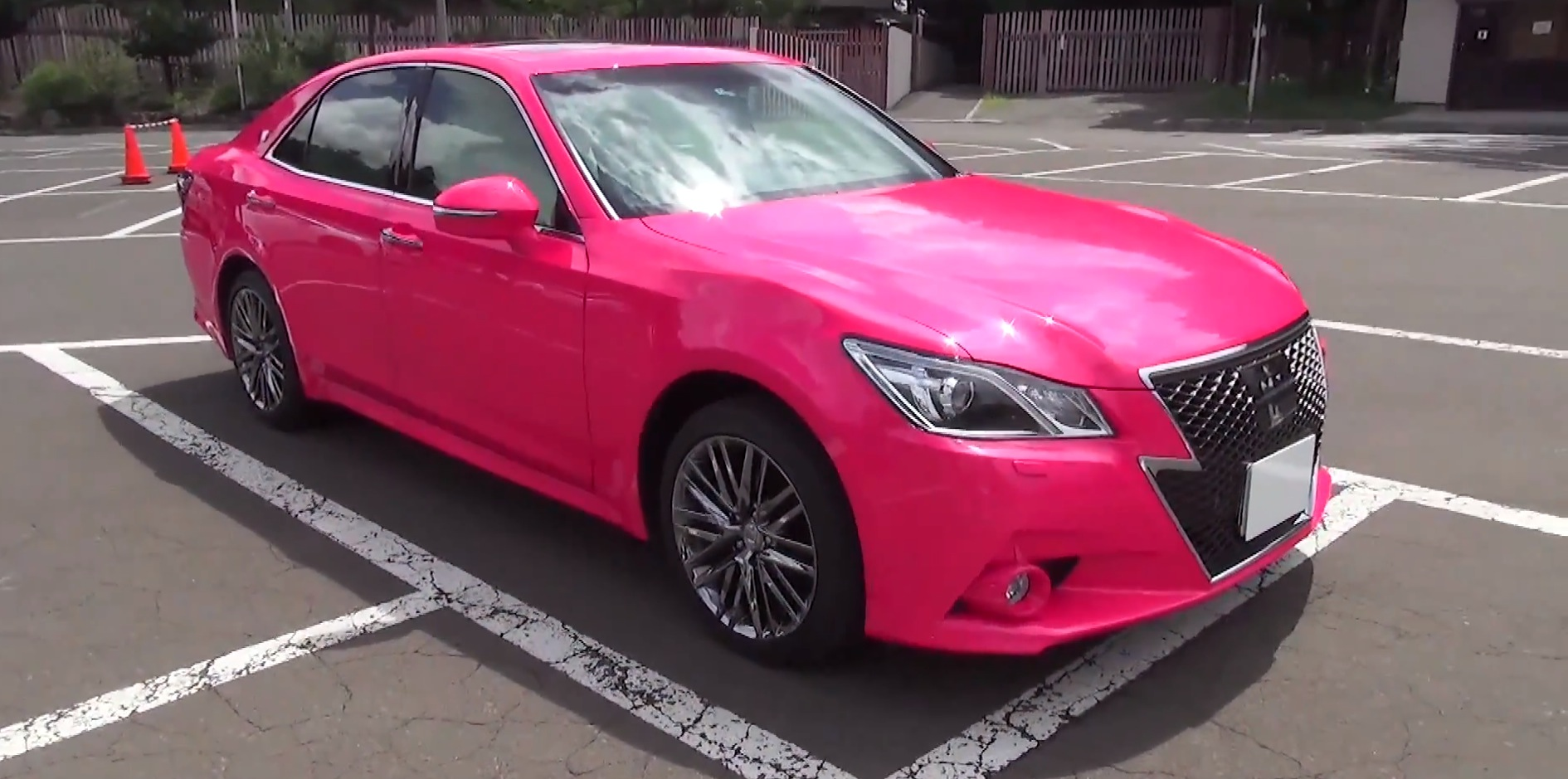 2014 Toyota Crown Athlete Is A Pink Forbidden Fruit