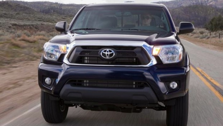 2014 Toyota Tacoma Reviewed by AutoTrader