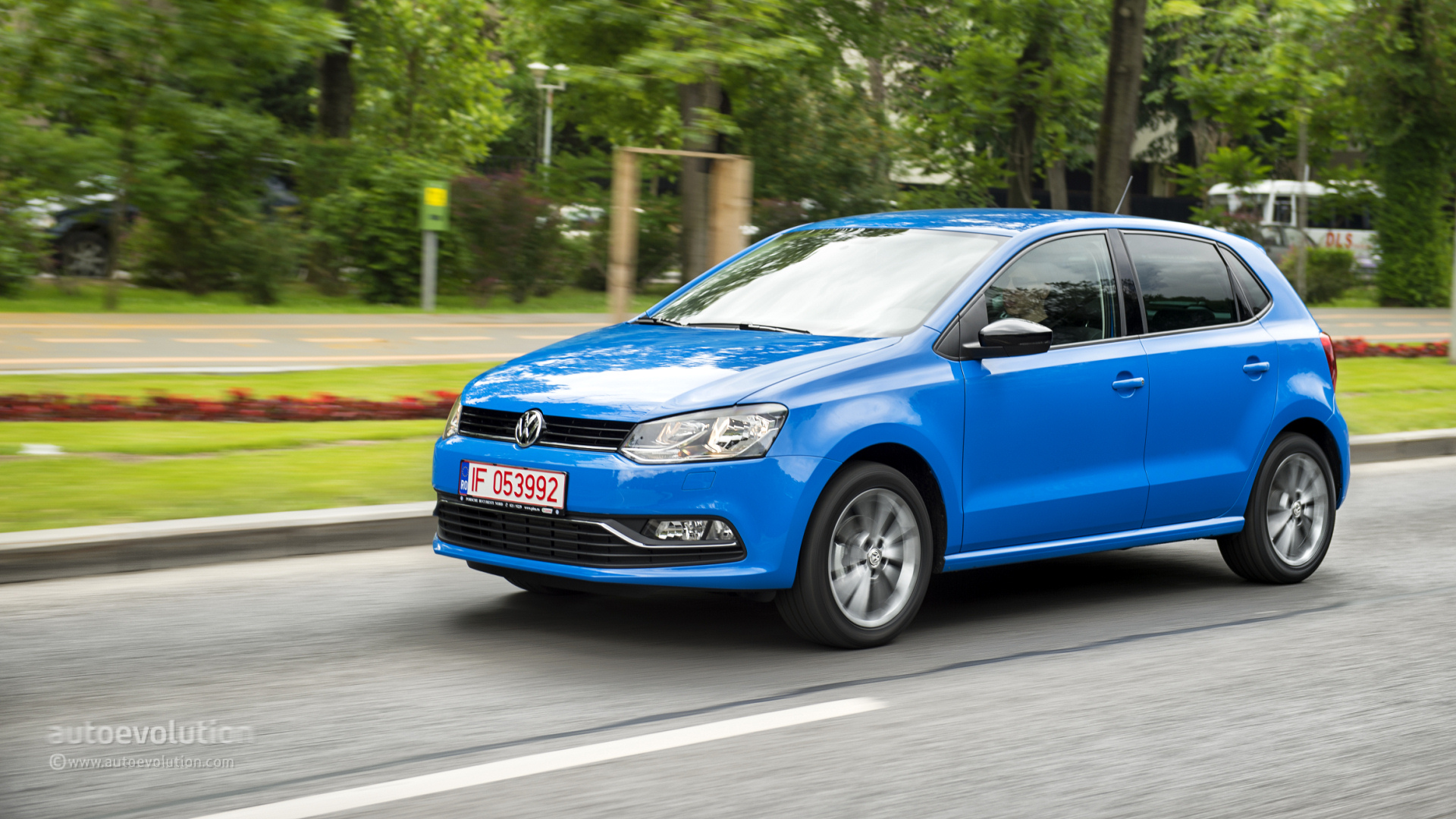 2014 Volkswagen Polo Facelift Tested Autoevolution