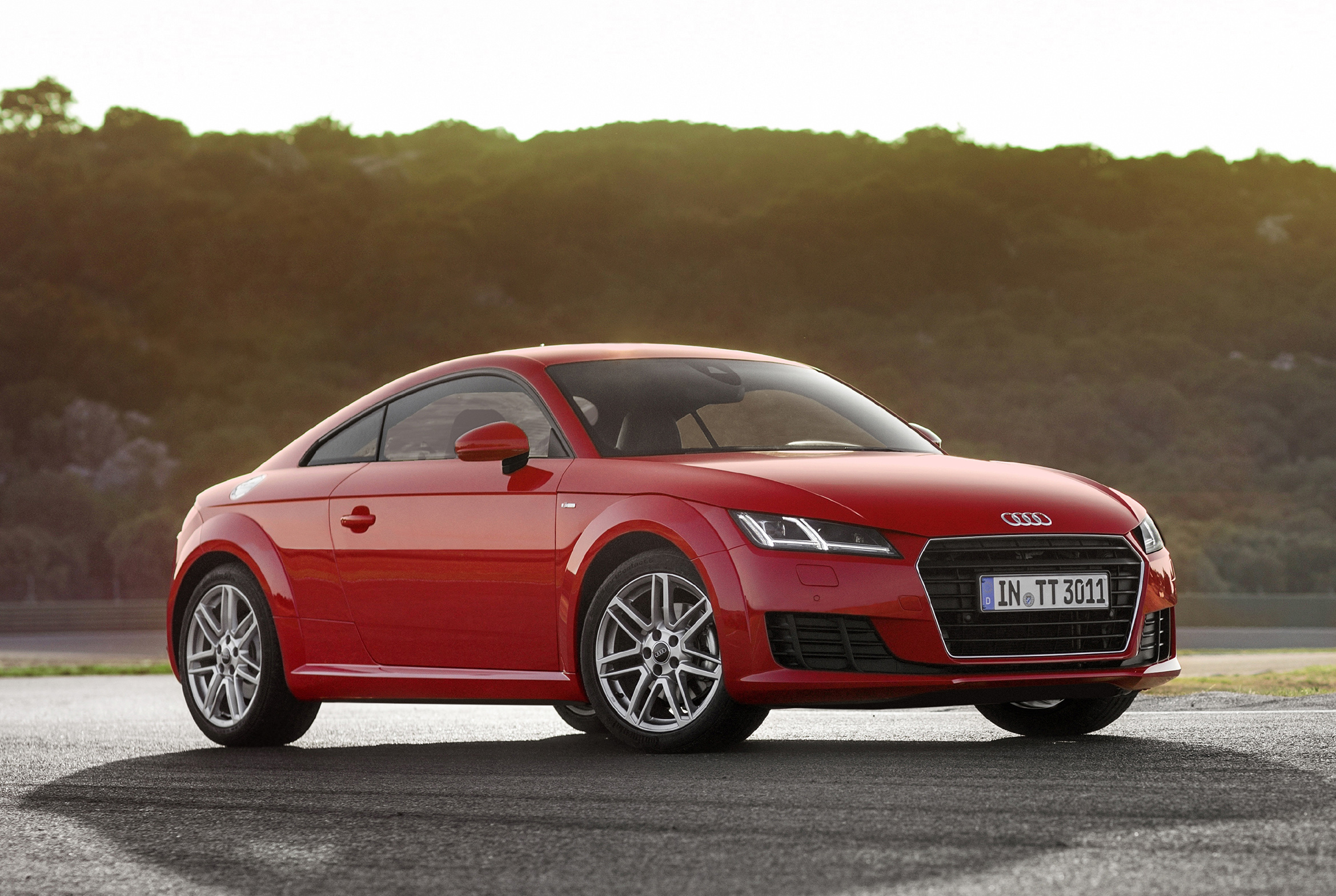 2015 audi tt coupe and roadster get more affordable 180 hp 1 8 tfsi engine autoevolution. Black Bedroom Furniture Sets. Home Design Ideas