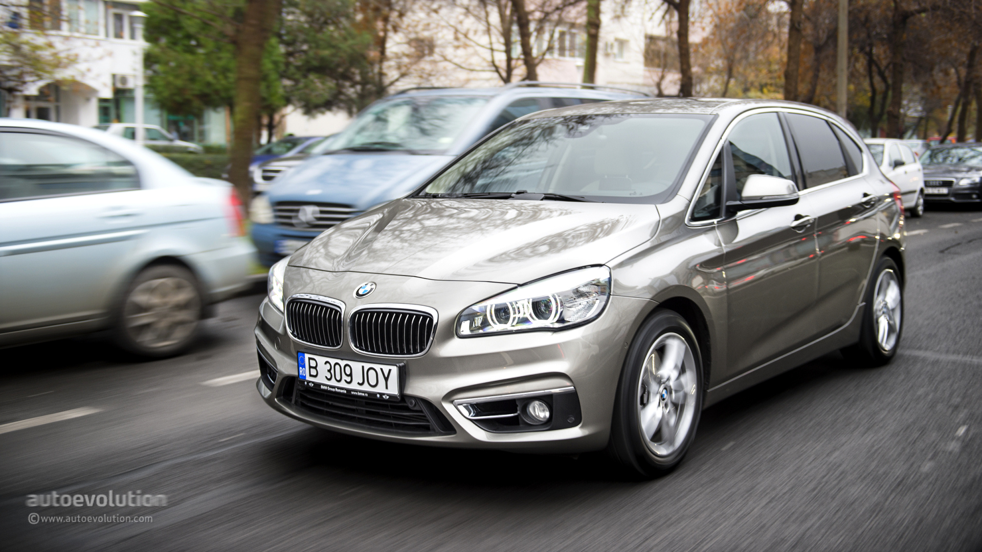 2015 bmw 2 series active tourer tested here are the essentials autoevolution. Black Bedroom Furniture Sets. Home Design Ideas