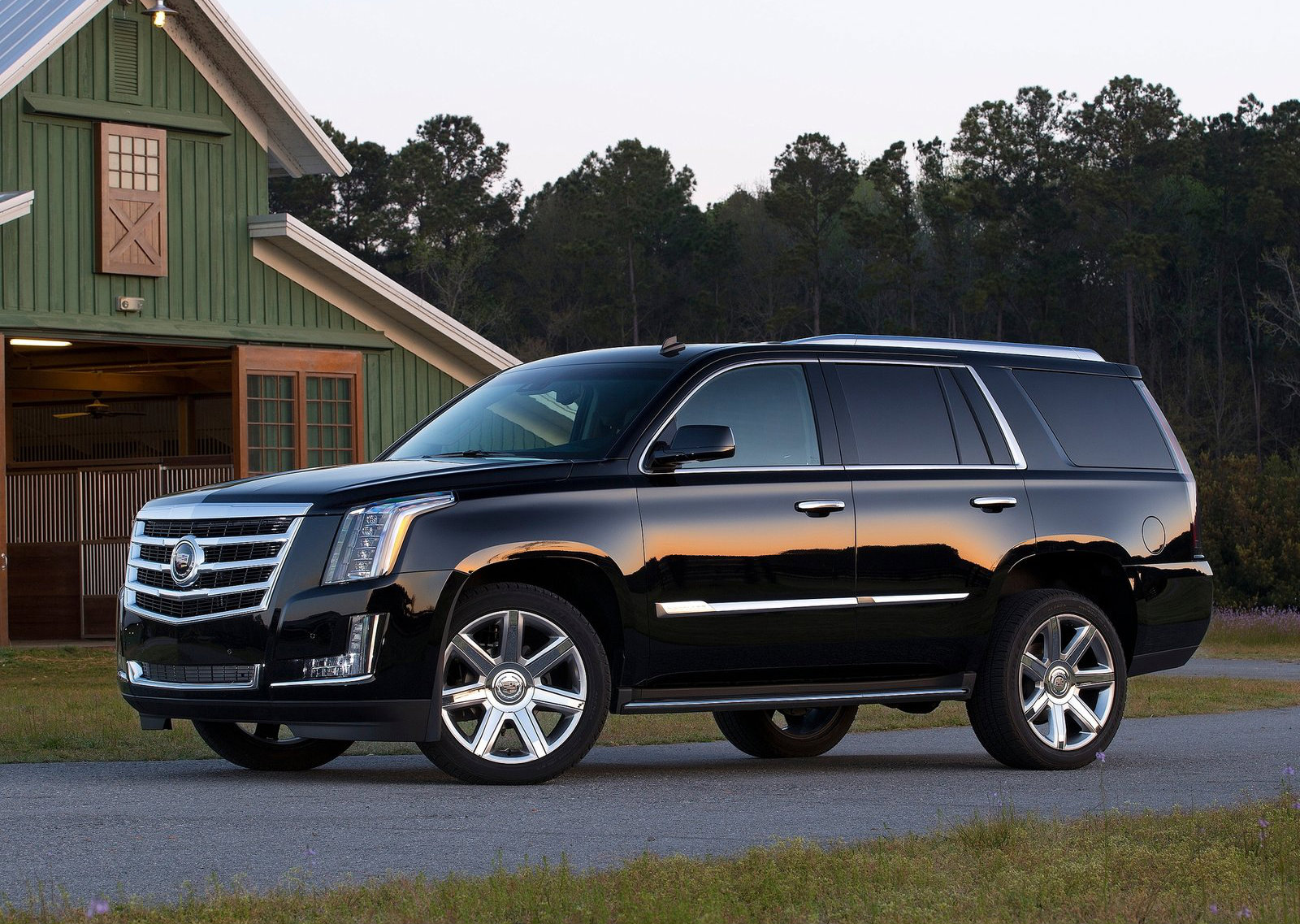 2015 Cadillac Escalade To Get 8 Speed Automatic 360 Degree Camera