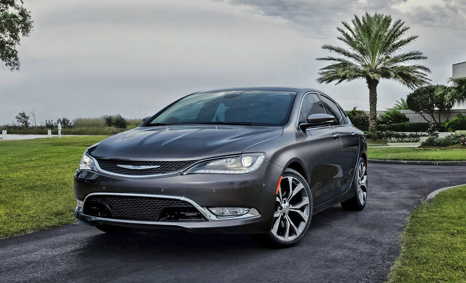 2015 chrysler 200 first photos details leaked autoevolution. Black Bedroom Furniture Sets. Home Design Ideas
