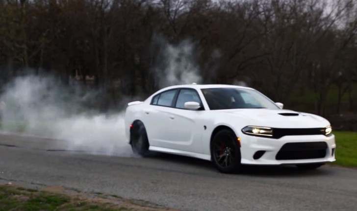 2015 Dodge Charger Hellcat Does A Burnout As Break In