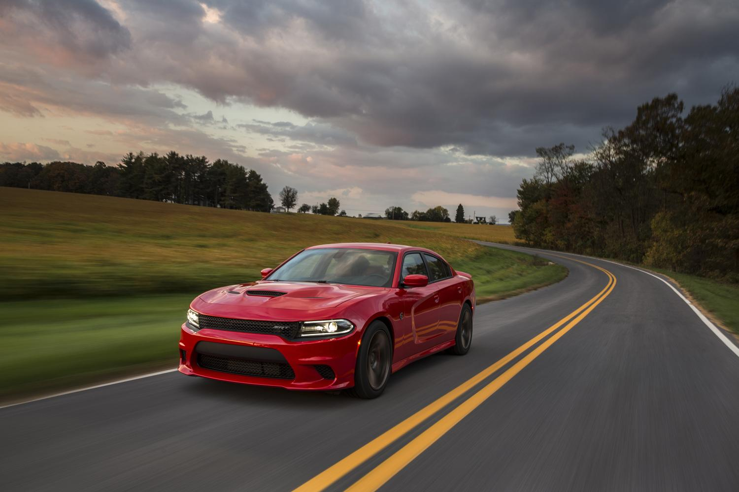 2015 dodge charger srt hellcat fuel economy 13 mpg city 22 mpg highway autoevolution. Black Bedroom Furniture Sets. Home Design Ideas