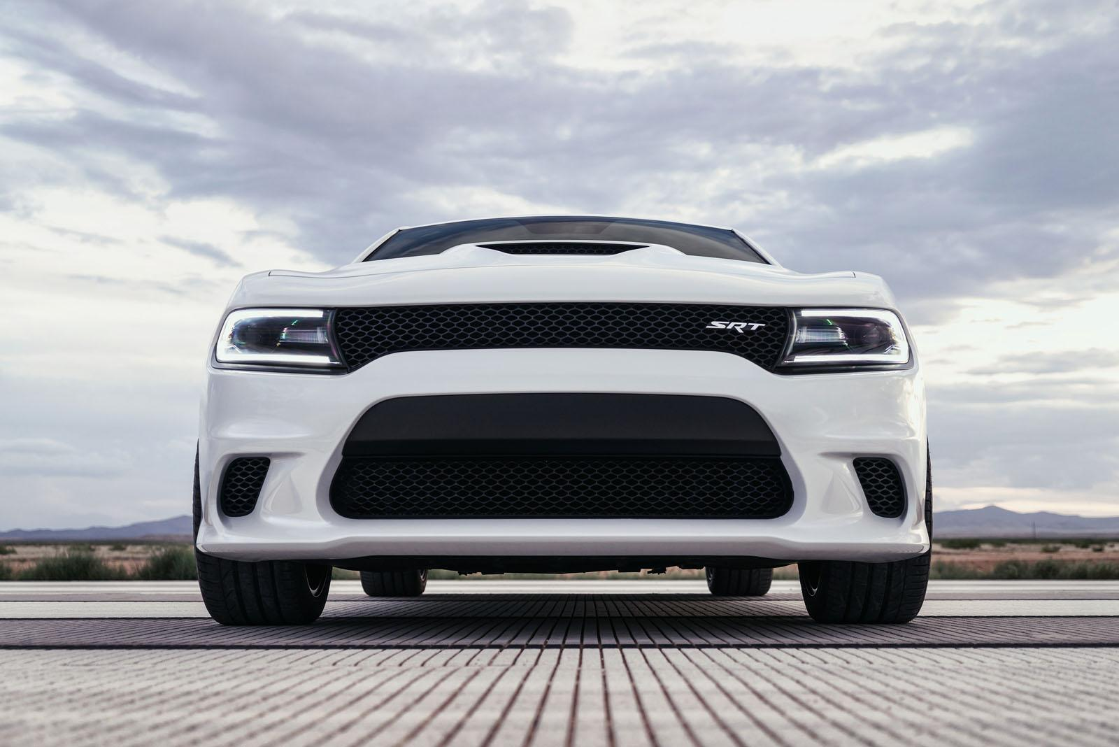 2015 dodge charger srt hellcat priced from 63 995 autoevolution. Black Bedroom Furniture Sets. Home Design Ideas