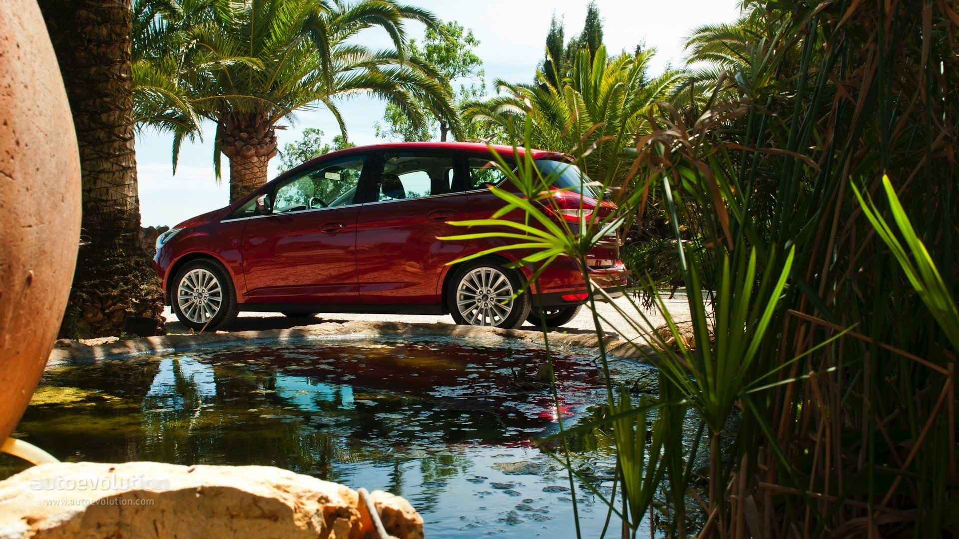 2015 Ford C-Max and Grand C-Max HD Wallpapers: The Oasis