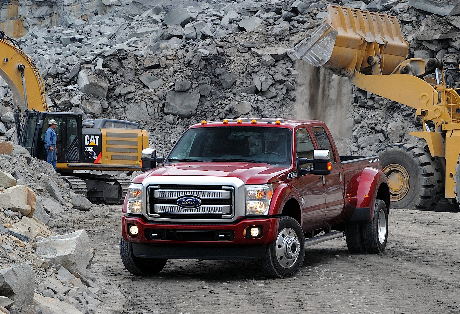 2015 Ford F-450 Can Tow 31,200 Pounds According to the SAE ...