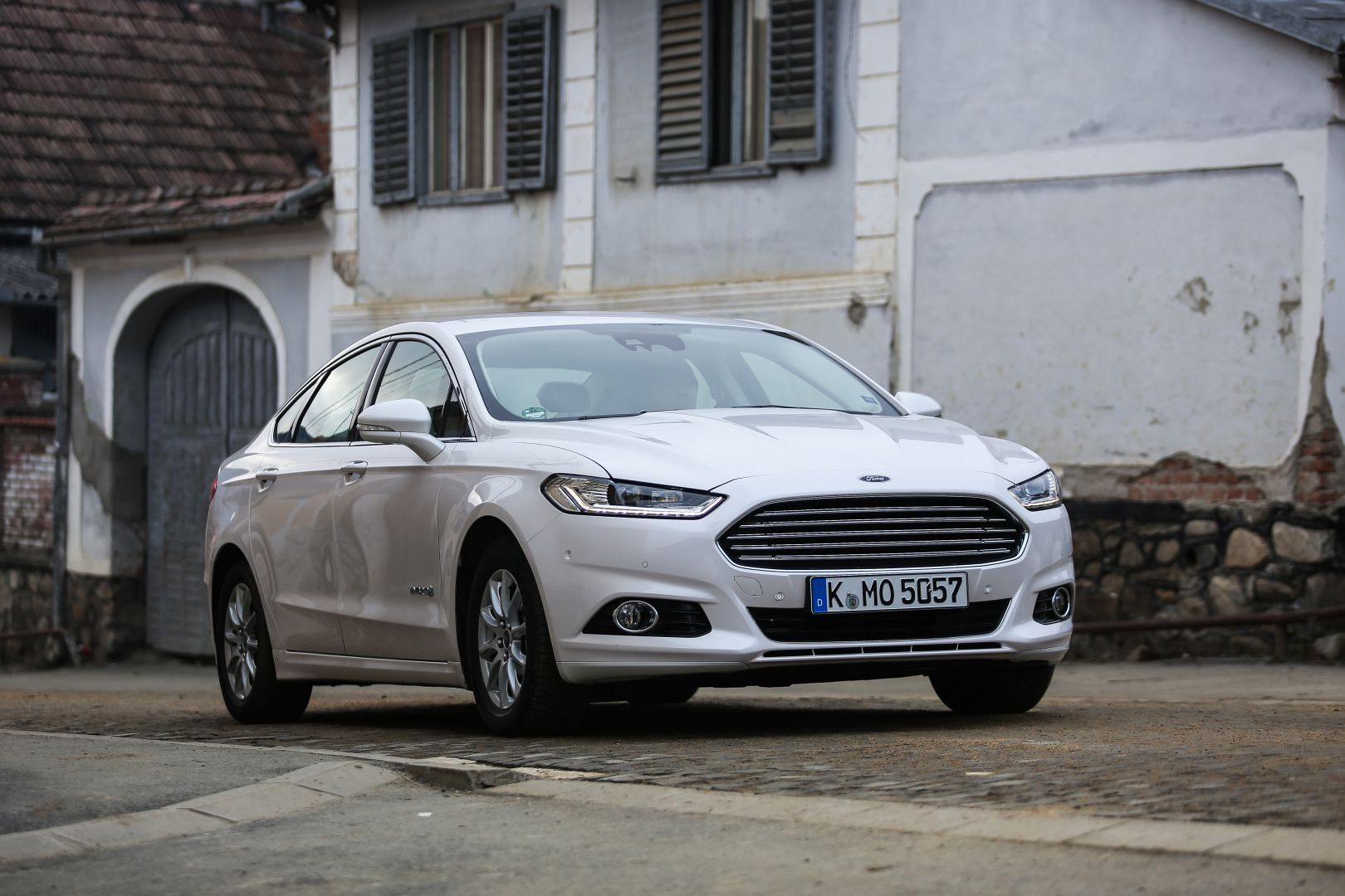 2015 ford mondeo tested edging into vw passat territory autoevolution. Black Bedroom Furniture Sets. Home Design Ideas