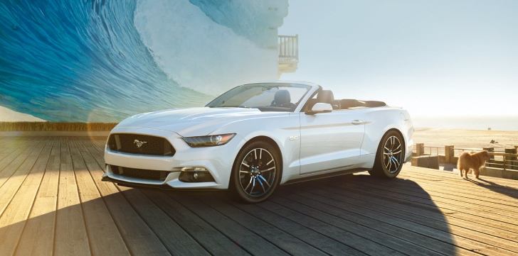 2015 Ford Mustang Convertible Looks Flashy In Oxford Black And White