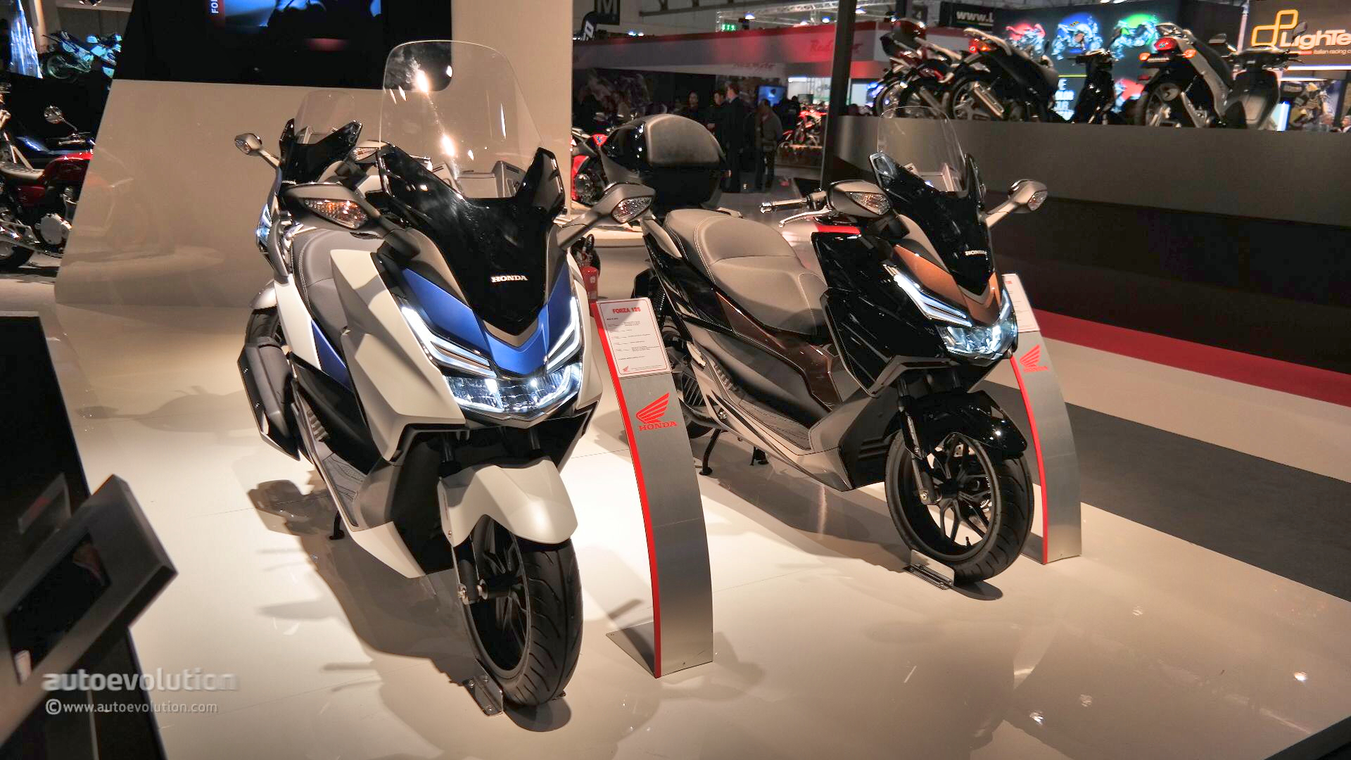 Honda Forza Shows Fresh LED Lights At EICMA Live - Led car show lights