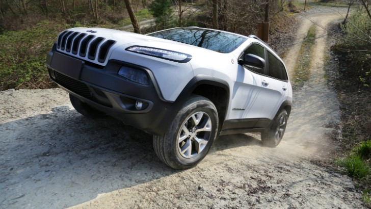 Jeep Renegade Trailhawk Tuning >> 2015 Jeep Cherokee Trailhawk Introduced in the United Kingdom - autoevolution