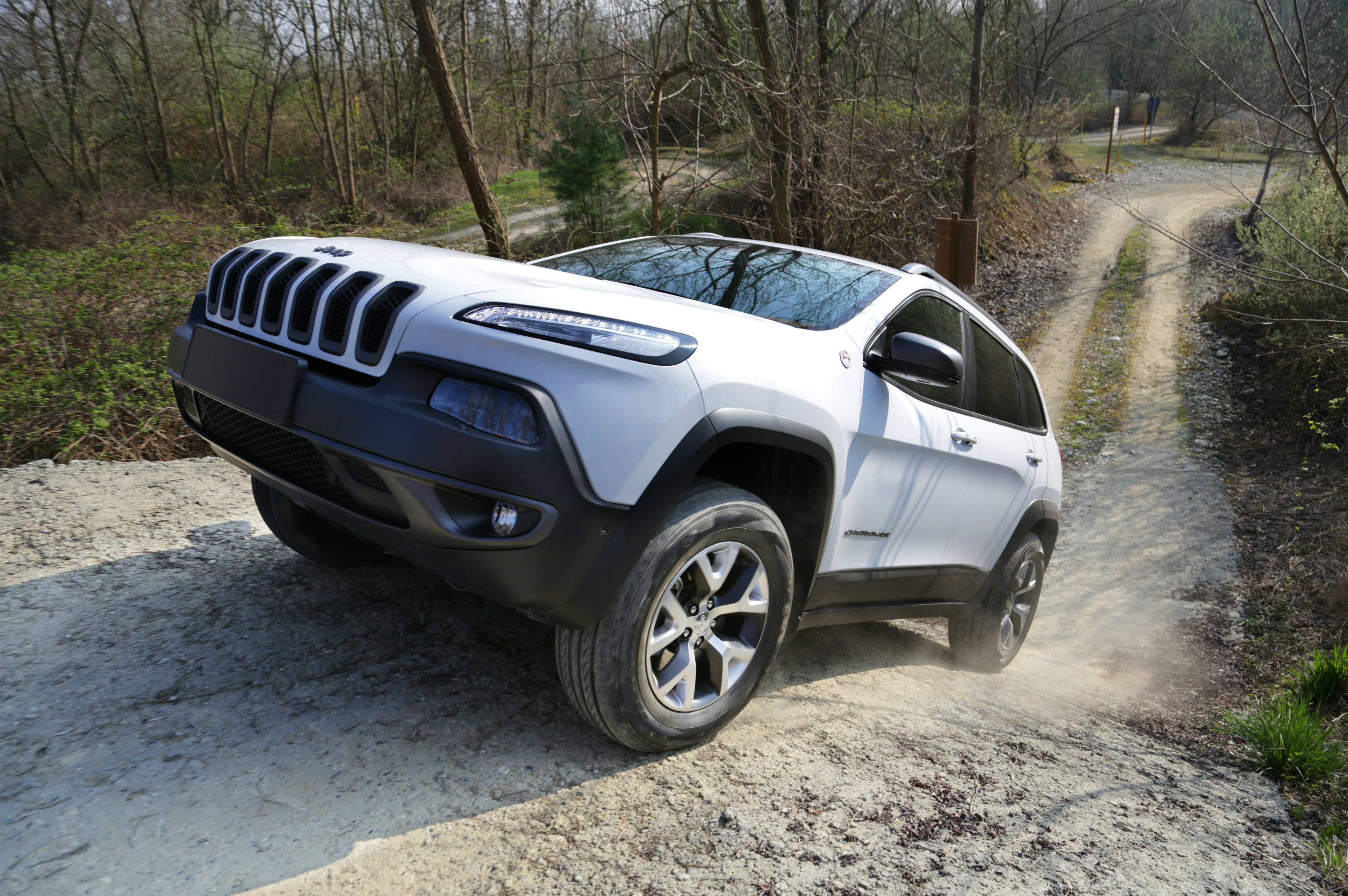 2015 jeep cherokee trailhawk introduced in the united kingdom autoevolution. Black Bedroom Furniture Sets. Home Design Ideas