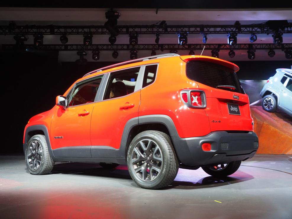 2015 jeep renegade makes north american premiere in new. Black Bedroom Furniture Sets. Home Design Ideas