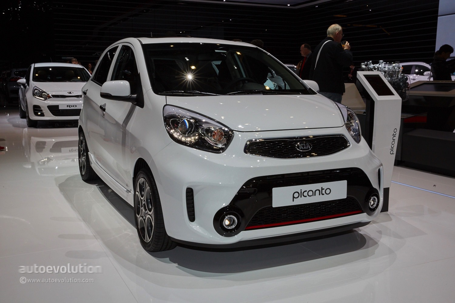 2015 kia picanto facelift arrived in geneva with a fixed. Black Bedroom Furniture Sets. Home Design Ideas